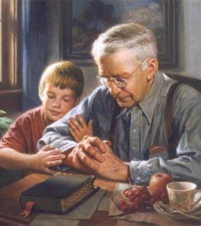 Μάθε τὸ παιδί σου νὰ προσεύχεται